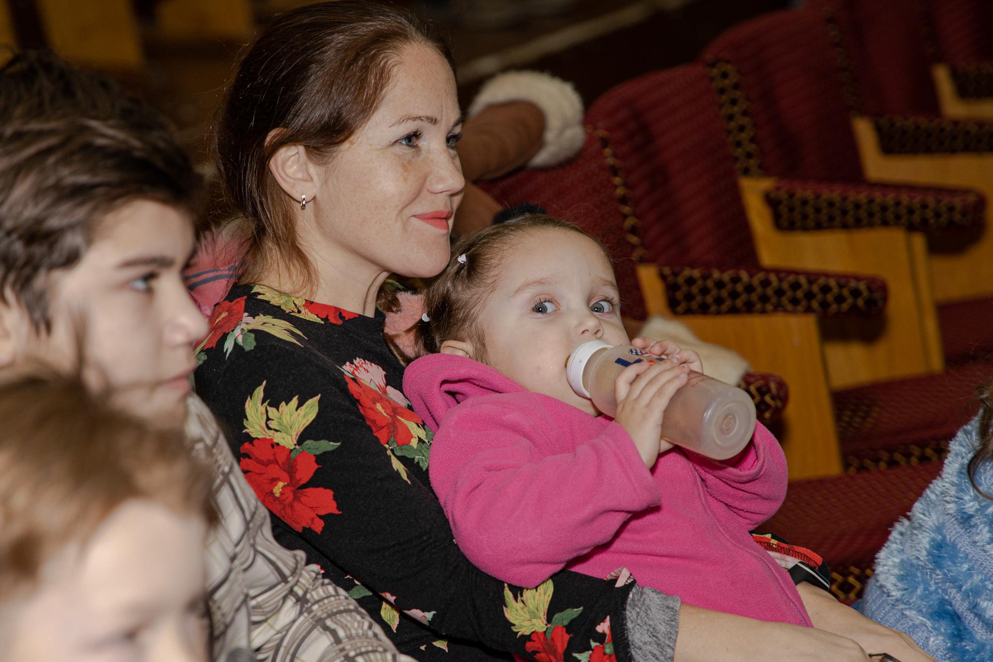 На перегляд завітали волонтери, переселенці, бійці АТО з дітьми