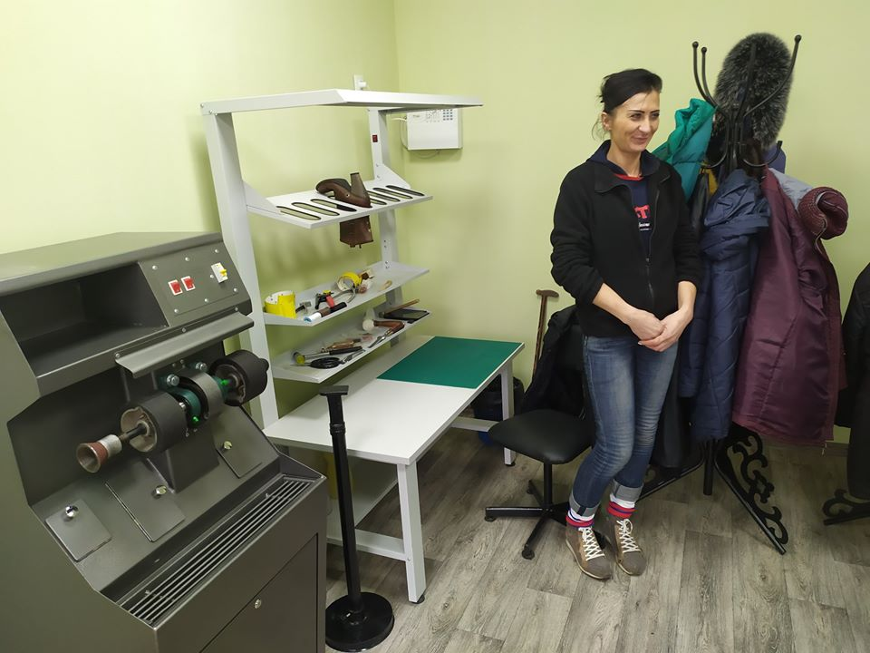 У Межовій відкрили перший у громаді Центр надання соціально-побутових послуг