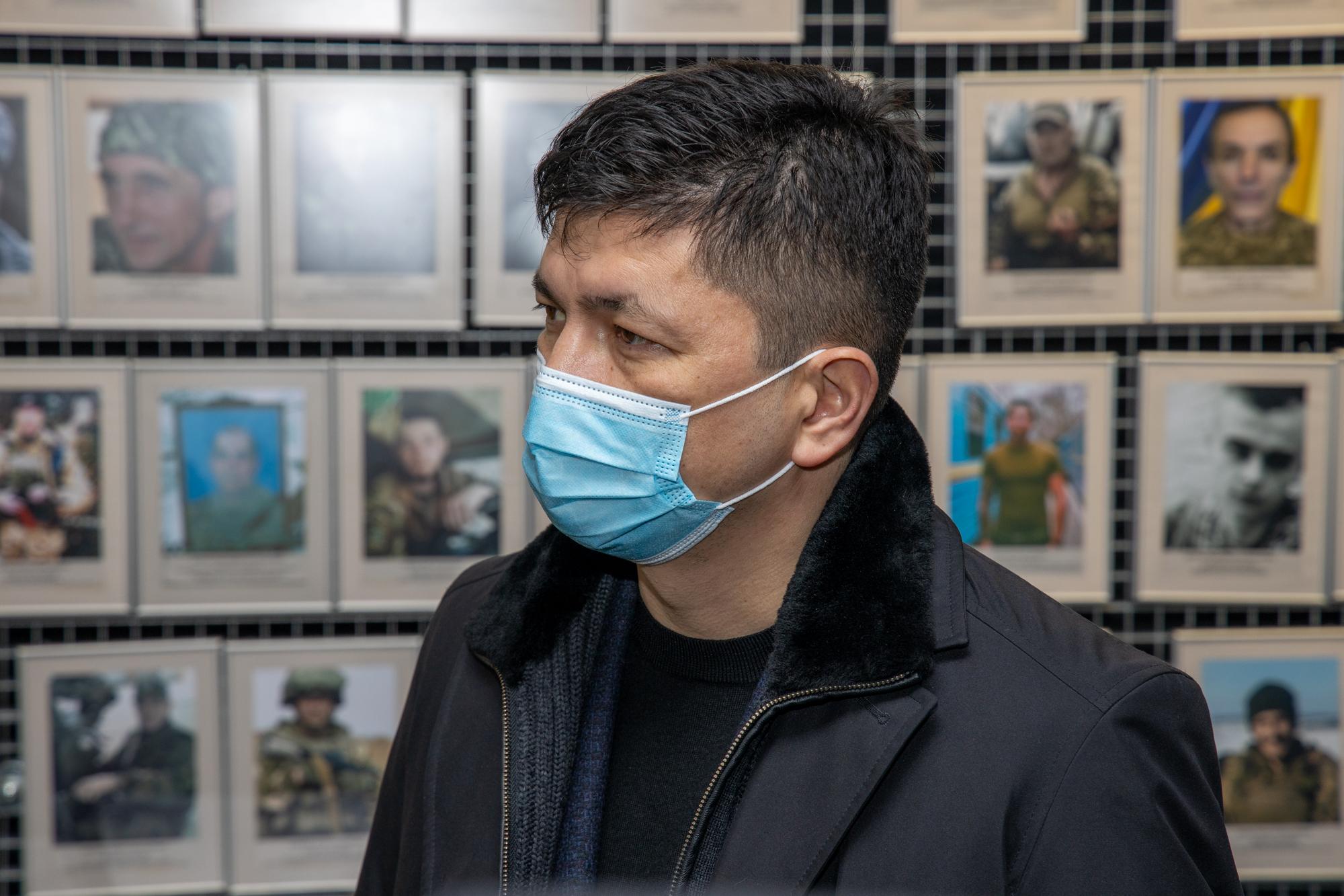 «Без перебільшення – це найкращий музей, присвячений війні на сході України. Масштаб вражає. Він дає розуміння, завдяки кому та якою ціною нам дістається мирне життя», – голова Миколаївської ОДА Віталій Кім