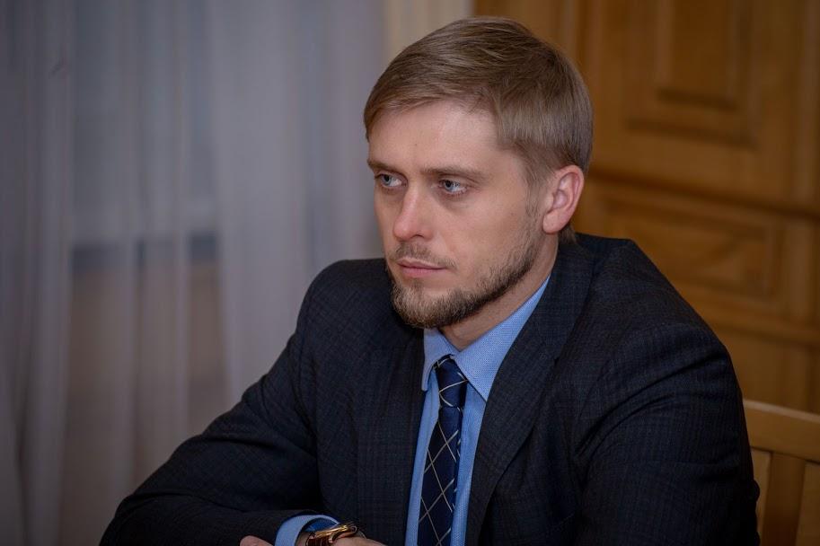 «Головна мета економічного форуму – конструктивний діалог між владою та інвесторами. Залучатимемо і вітчизняні, і зарубіжні ІТ-компанії, що працюють у космічній галузі», – сказав голова Дніпропетровської ОДА Олександр Бондаренко