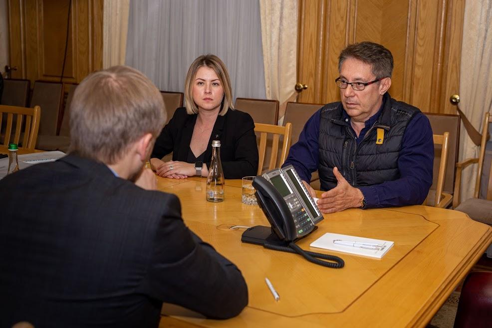 «Україна завжди мала великий потенціал у космічній галузі. Тепер у неї є всі шанси повною мірою реалізувати його», – Джон Ізелла