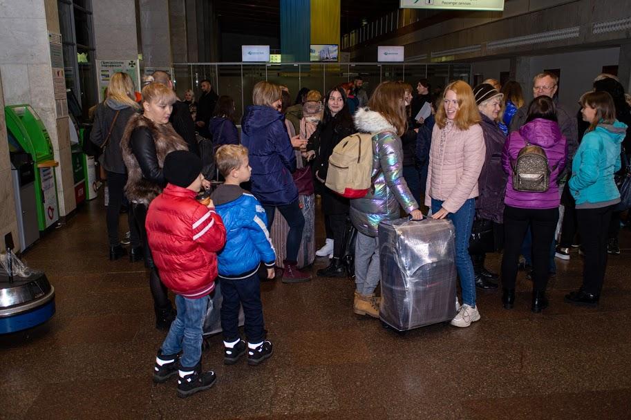 Діти АТОвців та переселенців поїхали на навчання до Литви