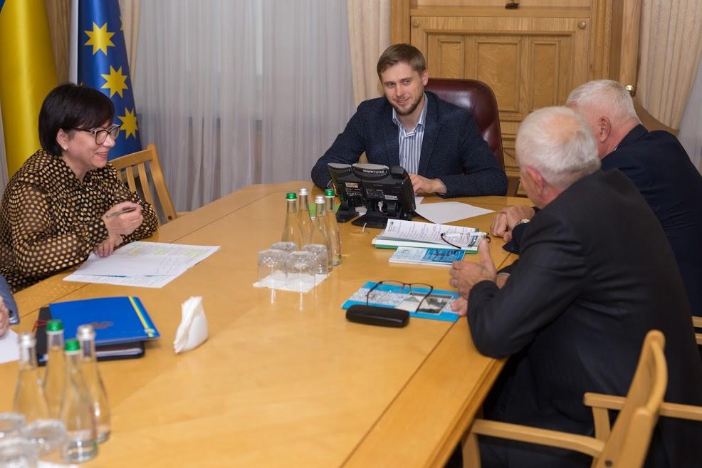 Очільник області зустрівся з керівниками Федерації організацій роботодавців області та Дніпропетровського об'єднання профспілок