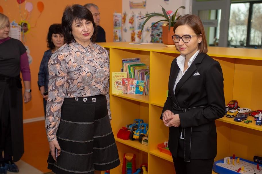Для міністерки провели екскурсію сучасним дитсадком в Обухівці