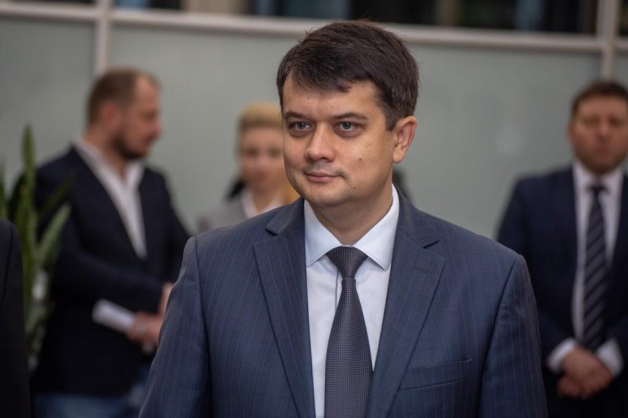 Дмитро Разумков: «Сподіваюся, що навесні 2022 року аеропорт зможе приймати сучасні великі літаки, які будуть забезпечувати і економічне, і туристичне зростання»