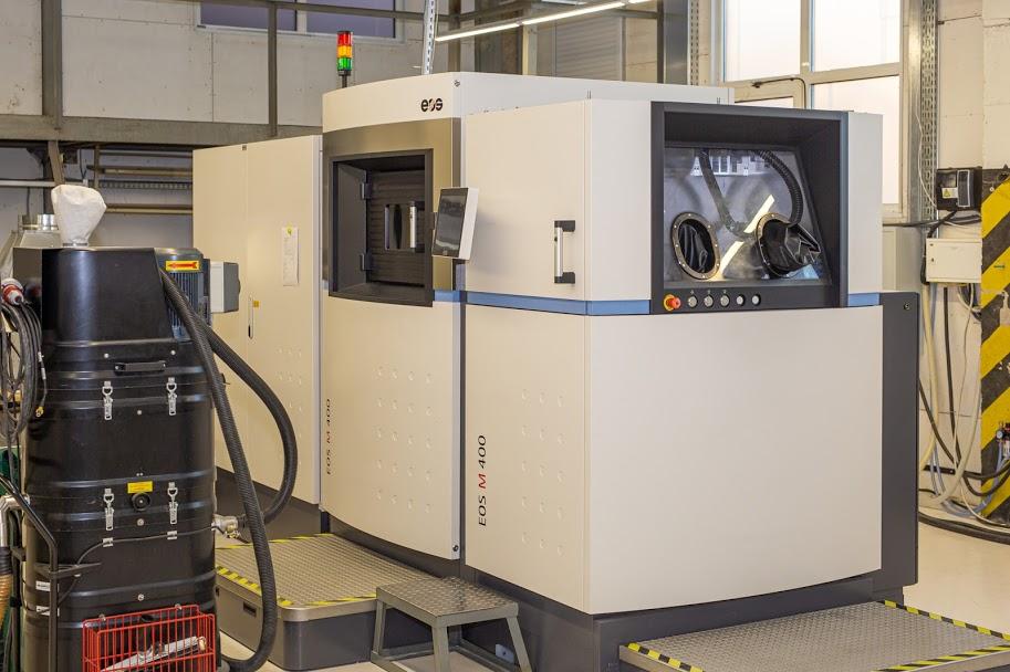 Деталі ракетоносія виготовляють і на 3D-принтері,..