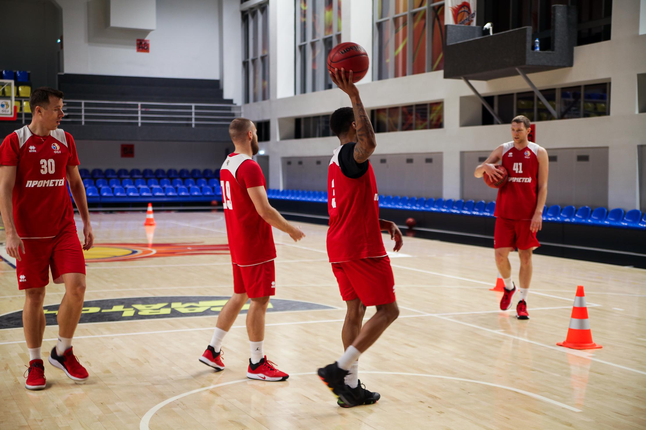 У великій залі – сучасні умови для розвитку волейболу, баскетболу