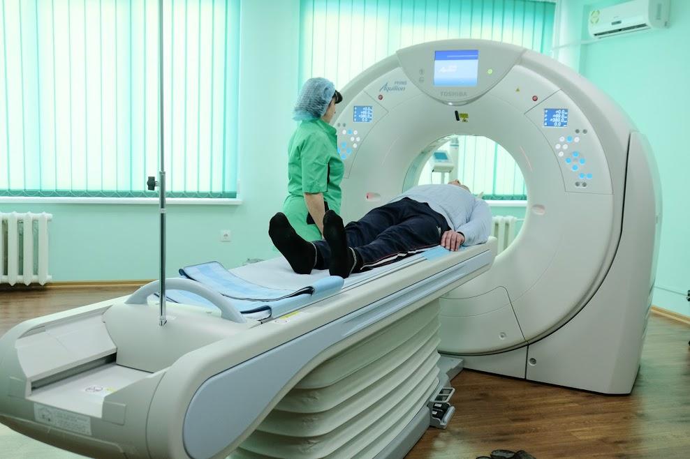 Для днепровской больницы №4 приобрели современный томограф