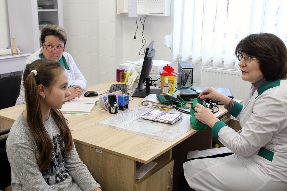 В амбулаторії – кабінет сімейного лікаря,..