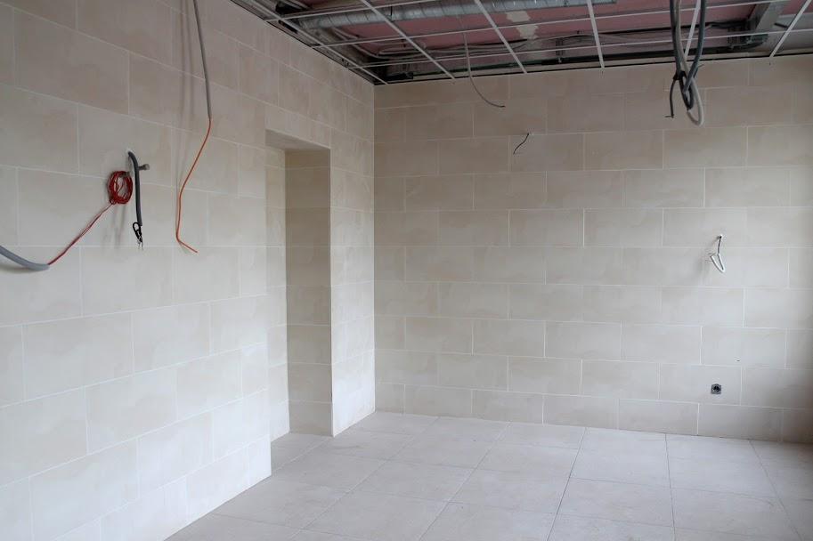 Облаштували нову підлогу та стелю