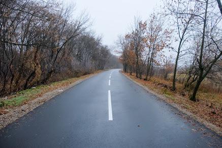 Капітально відремонтували дорогу на в'їзді у селище Сад Синельниківського району