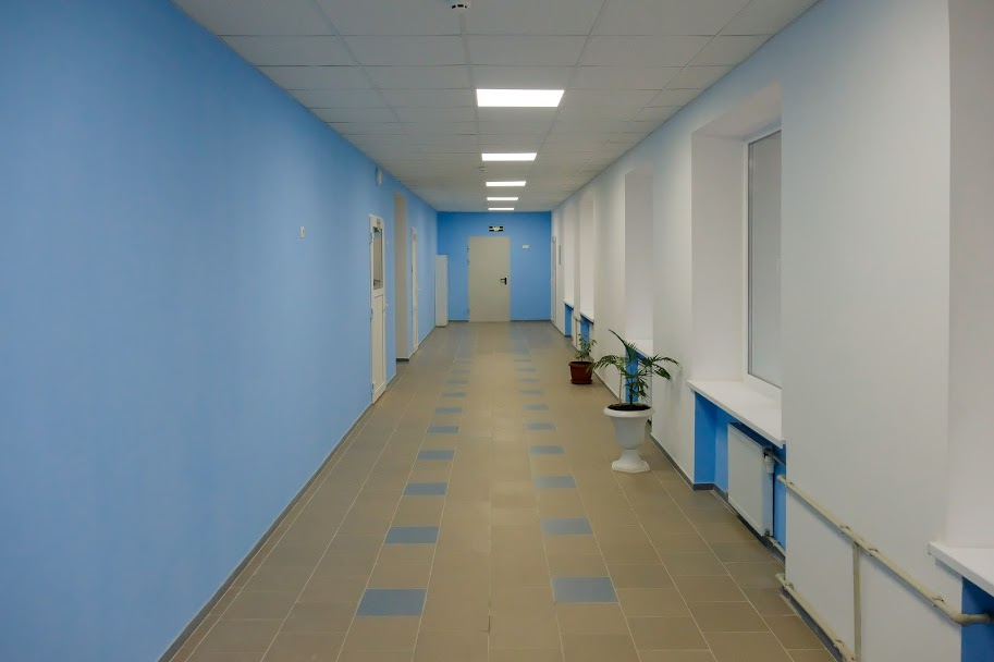 ..світлі коридори,..