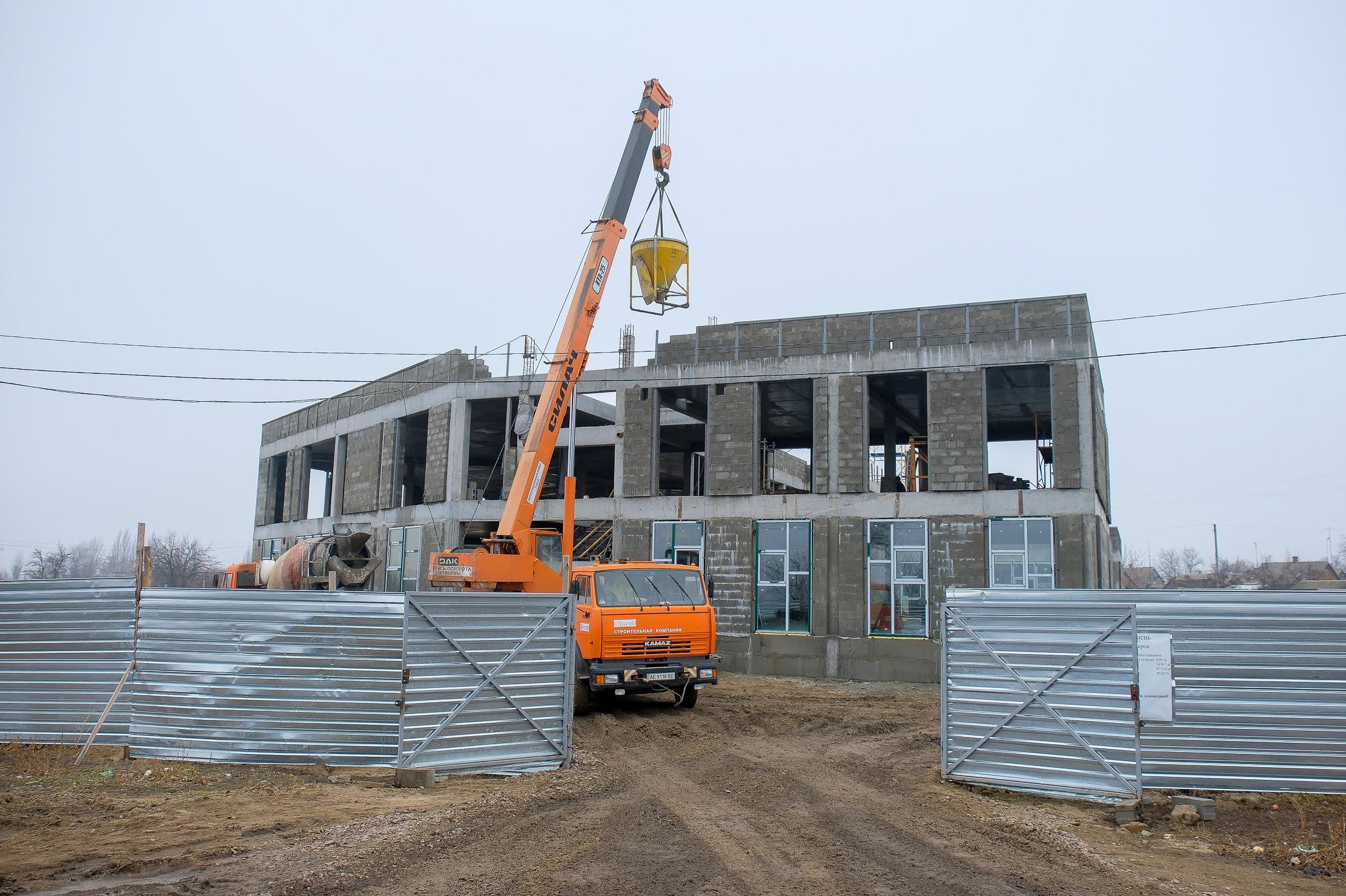 У Покрові триває будівництво нового дитсадка.