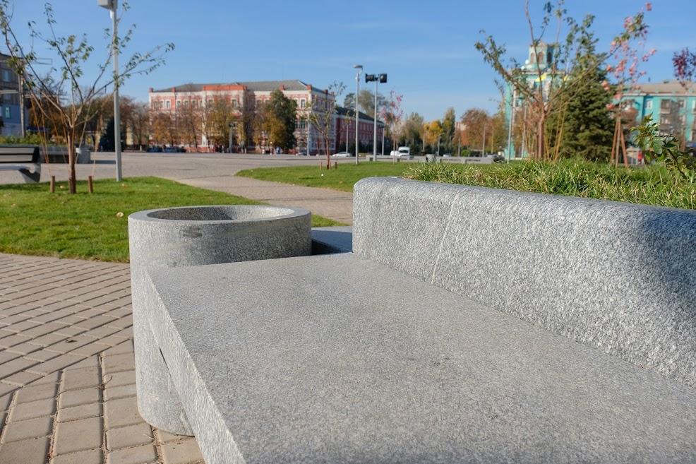 За чотири роки в Новомосковську реконструювали площу Героїв,…