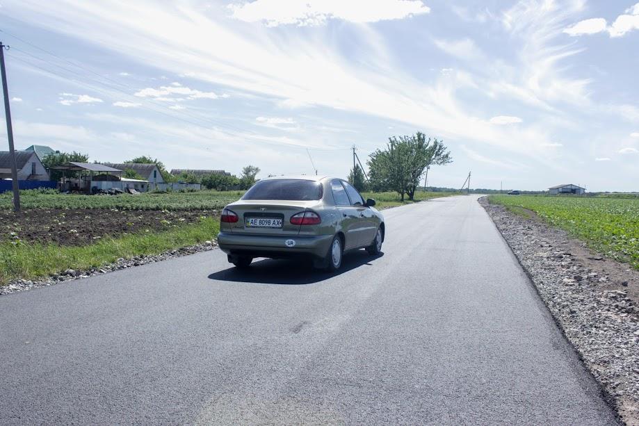 Вулиця Окружна – на виїзді з села і з'єднує відразу декілька доріг