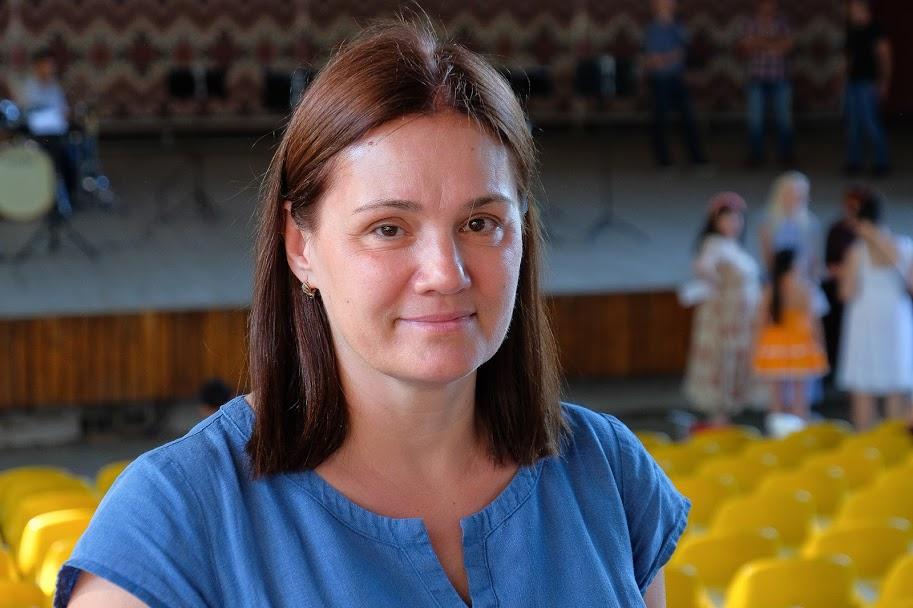 Вікторія Загрійчук: «Перші три репетиції, коли потрібно було вивчити мелодію, хвилювалася. Нині все виходить легко й від душі»