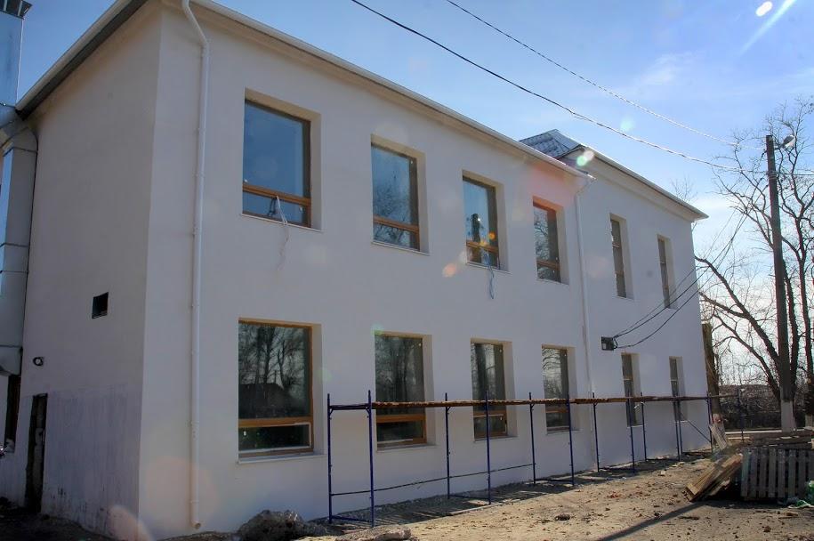 ..термомодернізованим фасадом