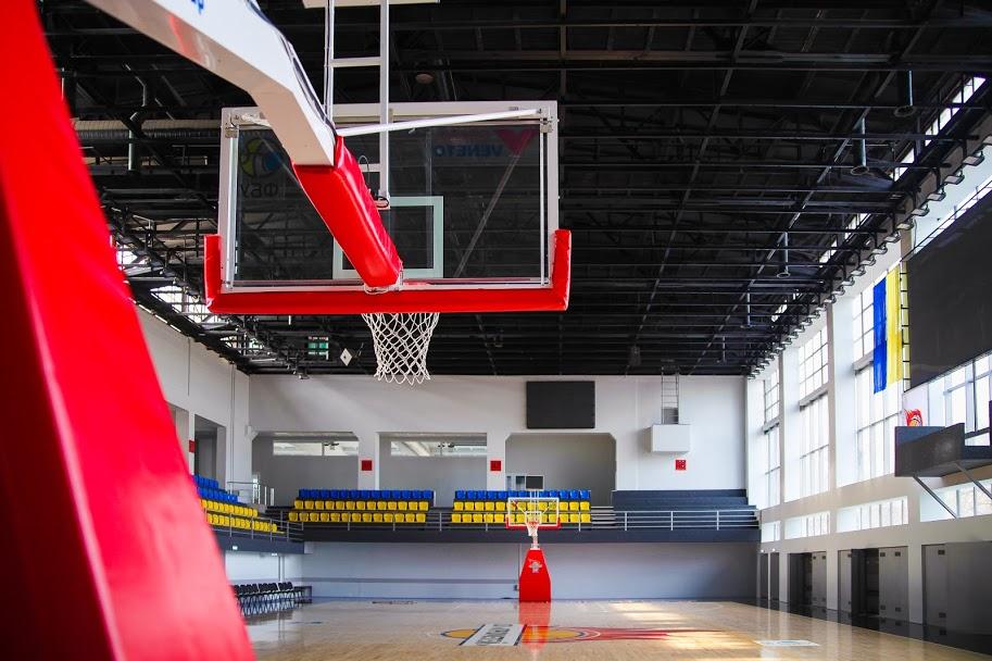 Все – у раніше занедбаній будівлі Кам'янського спортивного комплексу «Прометей»