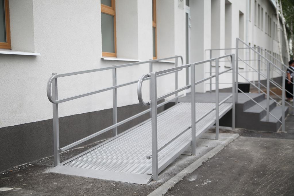 Школа доступна для людей з інвалідністю