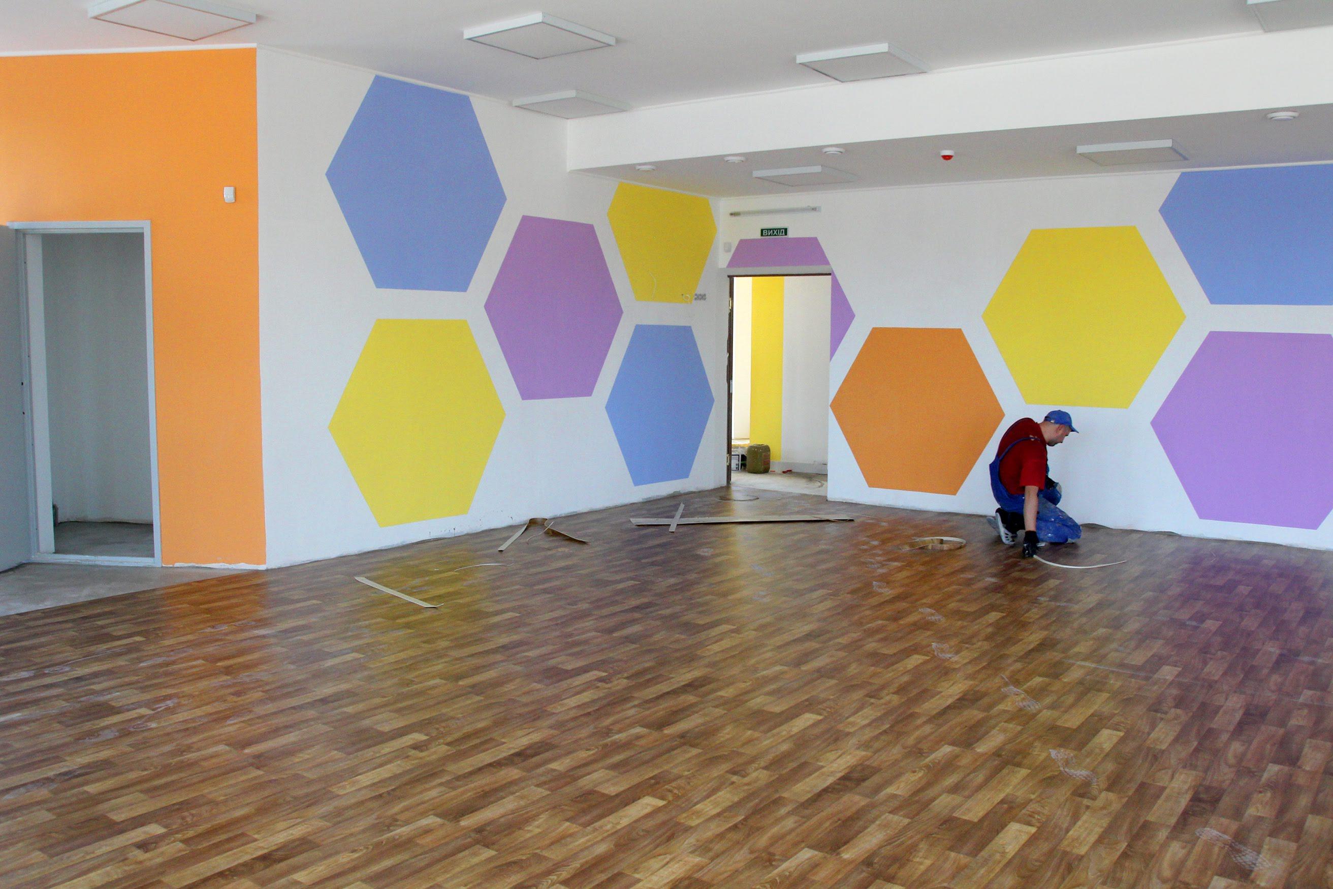 У просторих та світлих кімнатах малюкам буде комфортно та затишно