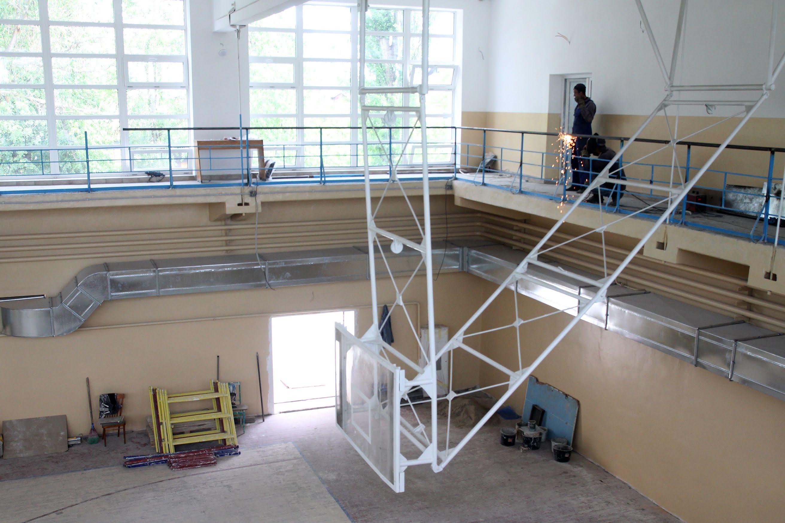 У Марганці триває реконструкція ДЮСШ №1.