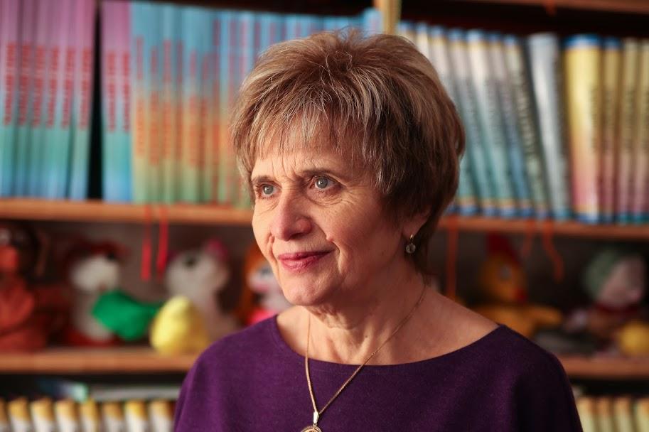 Директор закладу Антоніна Набокіна зауважила, що такої додаткової літератури учням завжди бракувало