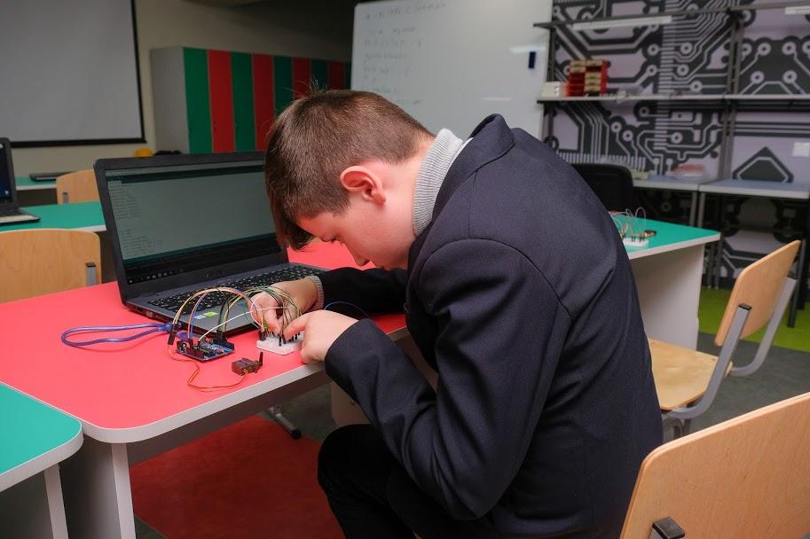 ..буденність нової школи робототехніки