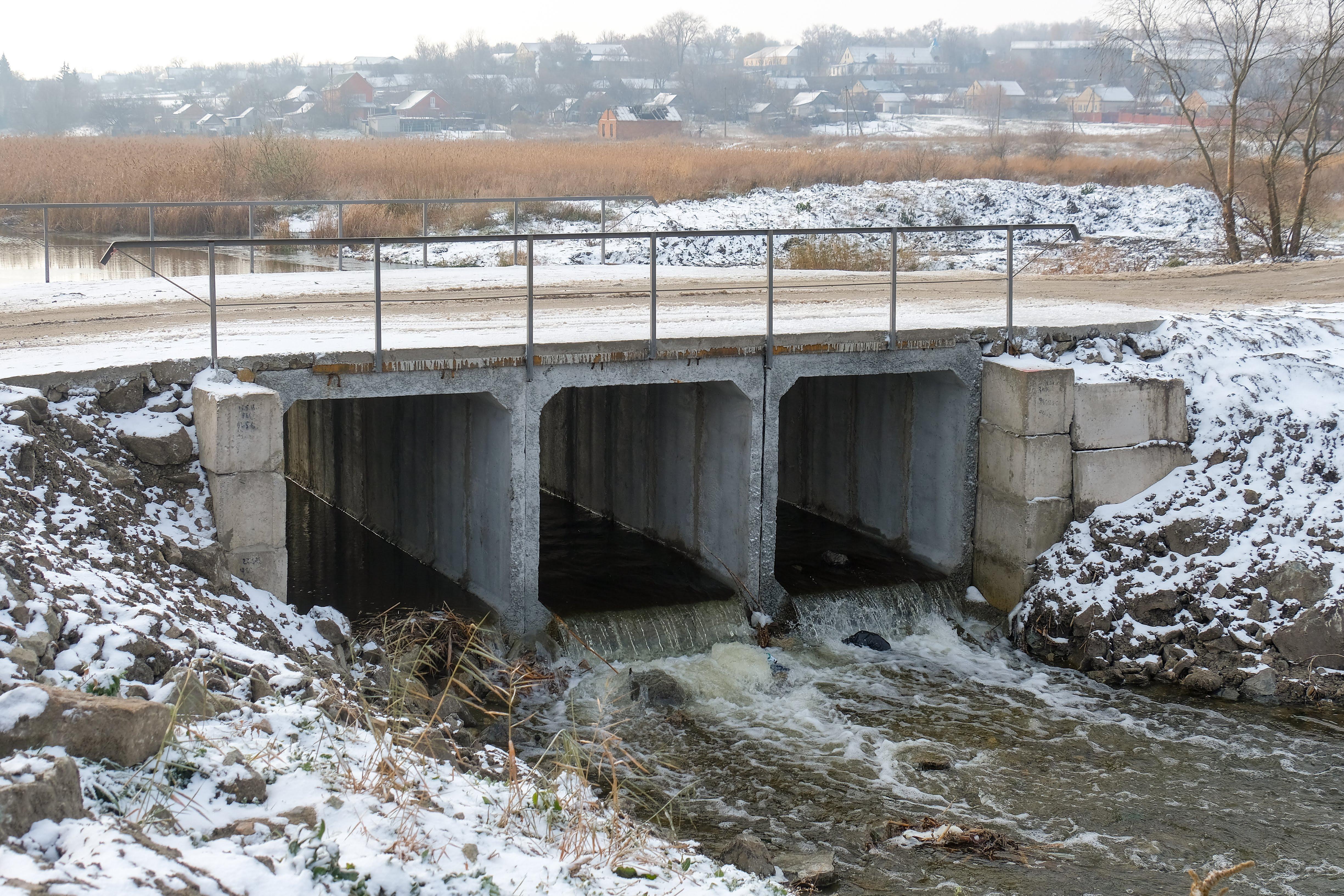 Підрядники розчистили дно річки…