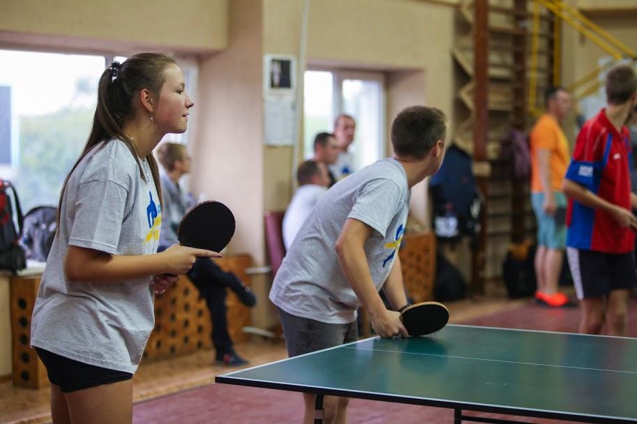 У теніс охоче грали і чоловіки, і жінки