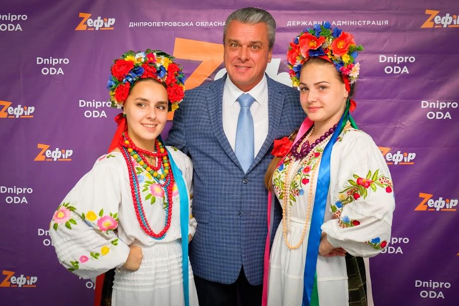 «Фестиваль «Z_ефір» – добрий старт для подальшого розвитку «зірочок»-початківців», – зазначив заступник голови Дніпропетровської ОДА Олег Кужман